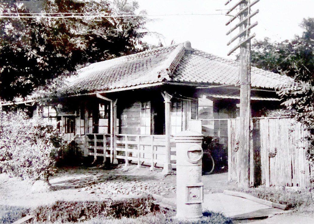 新營郵便局明治29年(1896)成立新營庄二等郵便電信局,大正3年(1914)改...