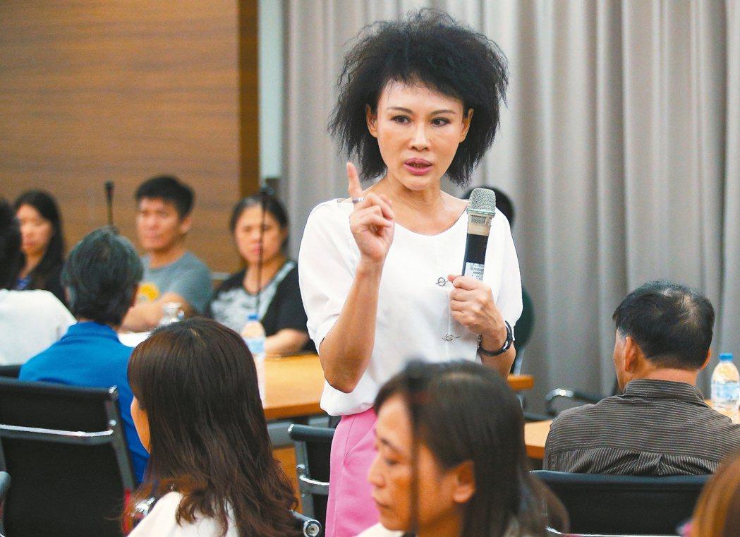 林口長庚醫院護理師譚敦慈說,養生其實只有「簡單」二字。 記者陳正興/攝影
