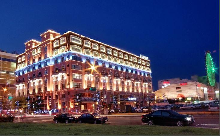 台北市大直汽車旅館「台北戀館」(現名為台北和璞飯店),今年7月以55.8億元賣給...
