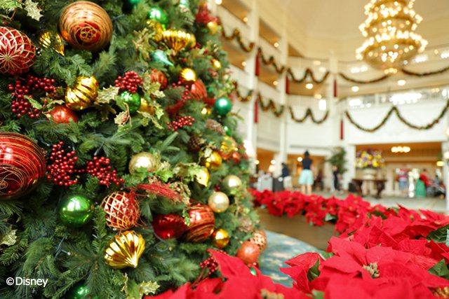 度假區內三間酒店自然也壟罩在歡樂的聖誕氣氛裡。 圖/香港迪士尼樂園 提供