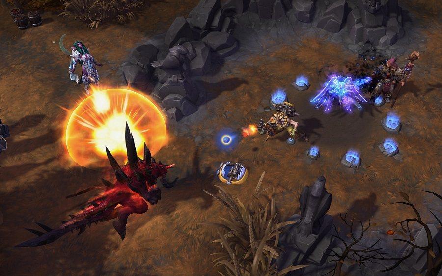 「鋼鐵陷阱」可在地面放置一個陷阱並對踩中的敵人造成傷害與定身效果。
