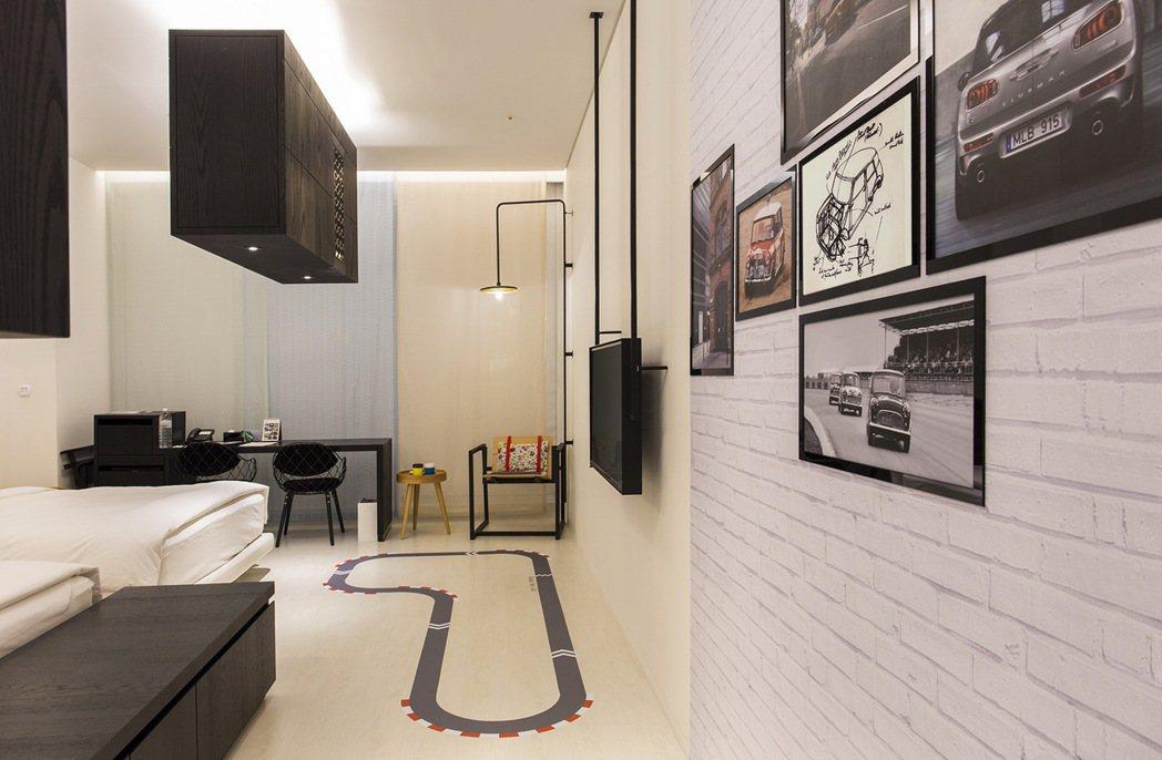 台南老爺行旅與知名車商MINI合作,以每晚不到五千元的價格起,即可入住全台唯一一間主題客房。圖/台南老爺行旅提供
