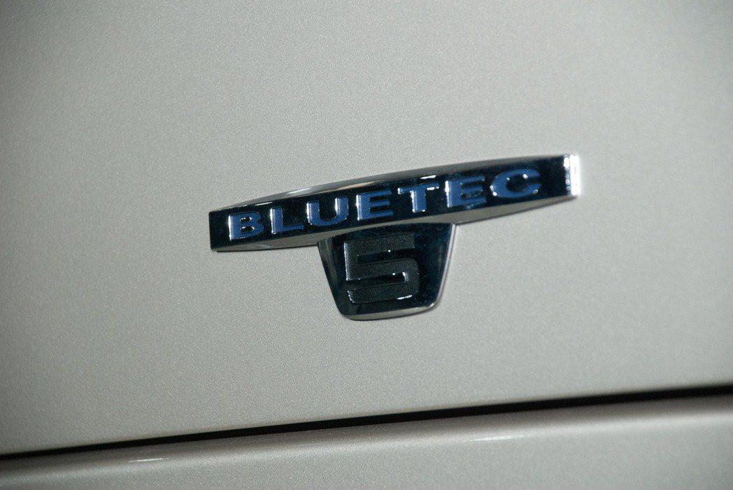 搭載符合歐盟五期排放法規的新世代高效能引擎。記者林昱丞/攝影