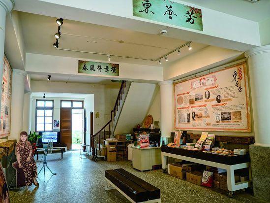 原為日本時代大稻埕的發記茶行,整修後成為URS27W城市影像實驗室。(攝影╱許斌...