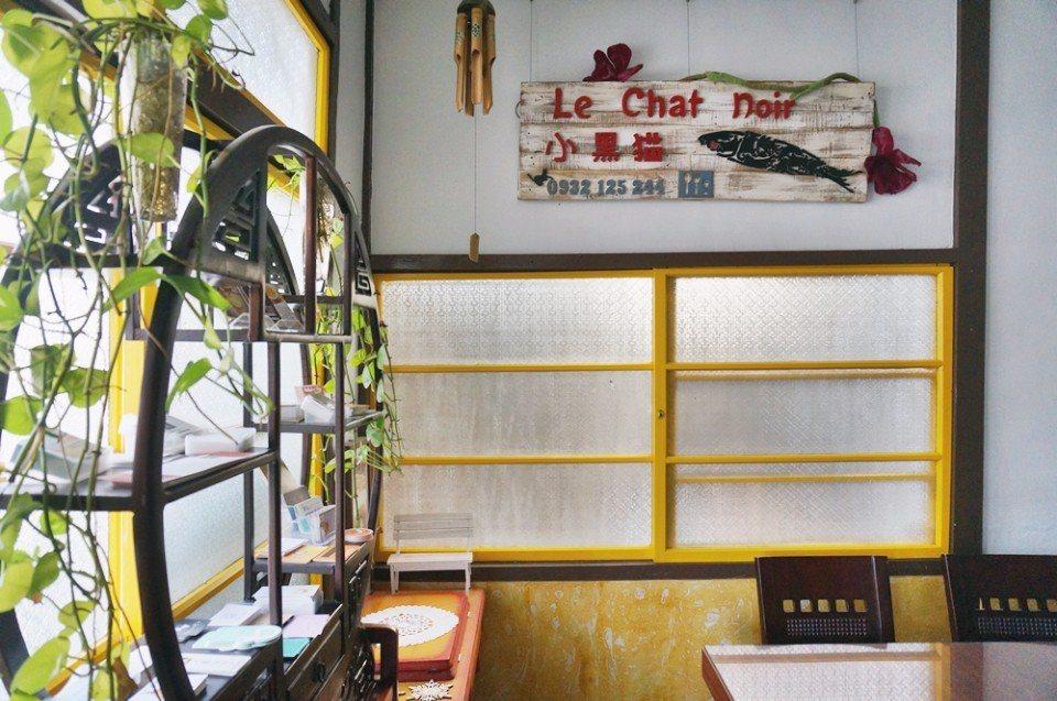 小黑貓店名源自於19世紀巴黎的一家餐館。(攝影/林郁姍)