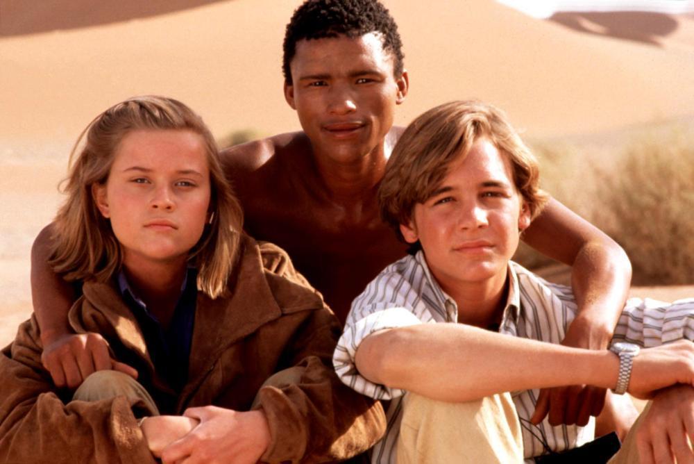 「幻象大獵殺」是瑞絲薇絲朋(左)16歲時拍攝的電影。圖/摘自Cineplex