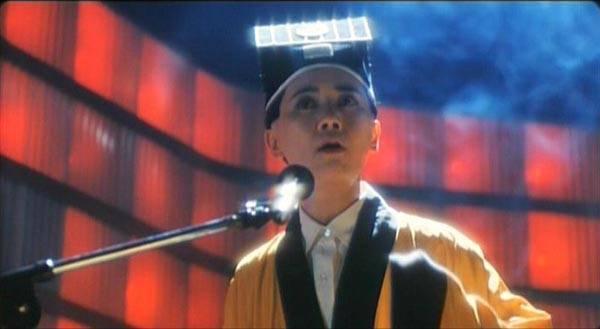 葉德嫻扮演道姑,也獻唱片中插曲。圖/摘自Hong Kong Cinemagic