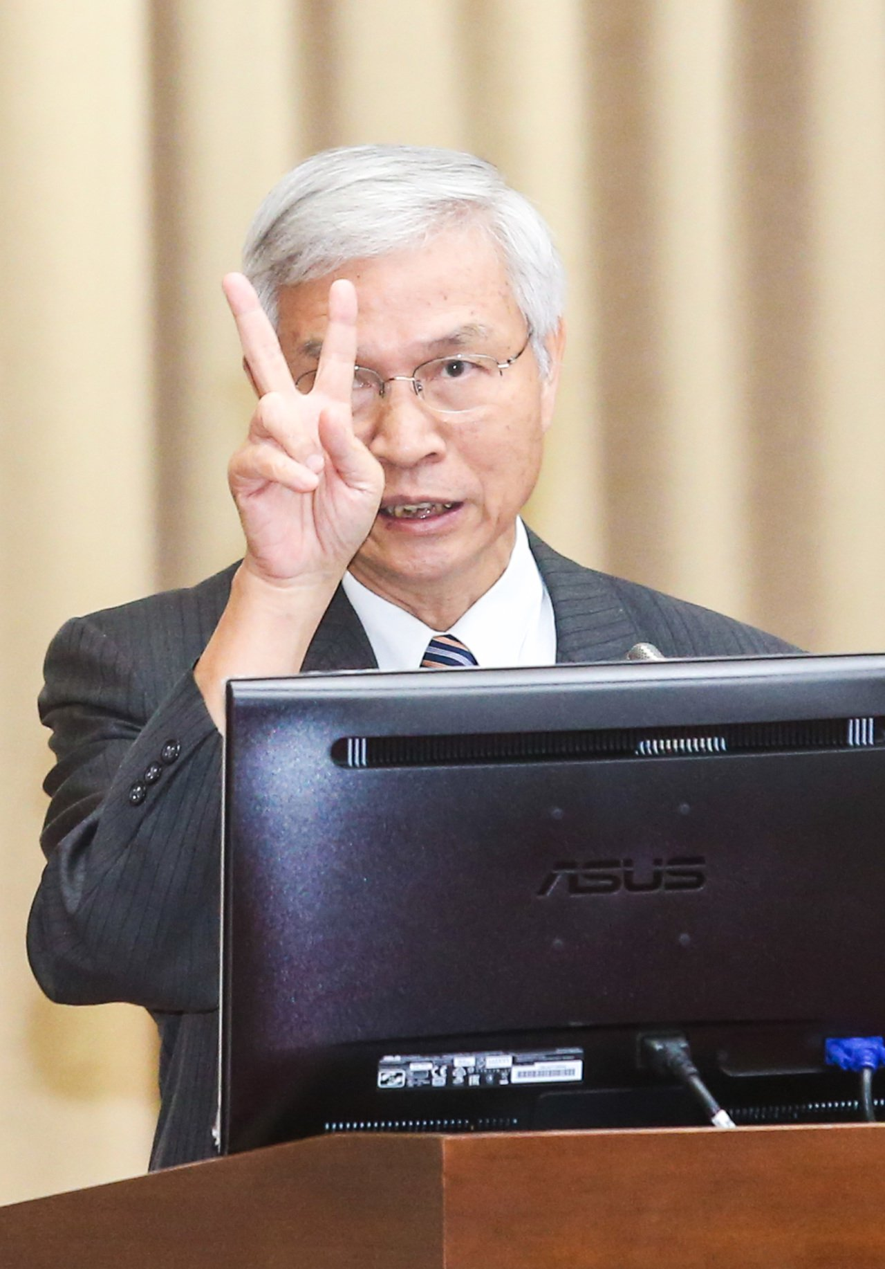 央行副總裁楊金龍列席立院財委會備詢。記者鄭清元/攝影