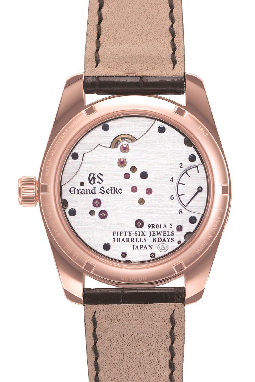 Grand Seiko八日鍊18K玫瑰金腕表的表背,可見手工打磨的髮絲紋,以及招...