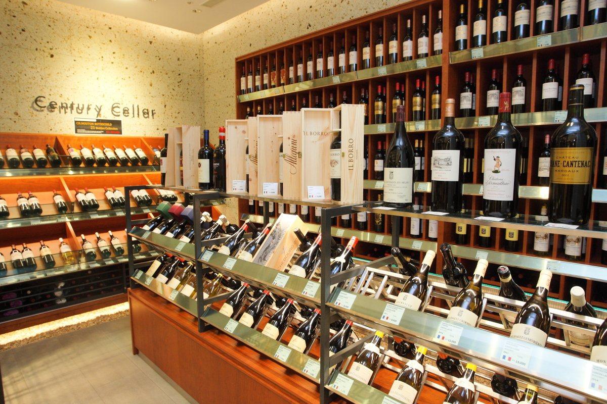 陳列多款藏酒的葡萄酒圖書館。記者陳睿中/攝影 ※ 提醒您:禁止酒駕 飲酒過量...