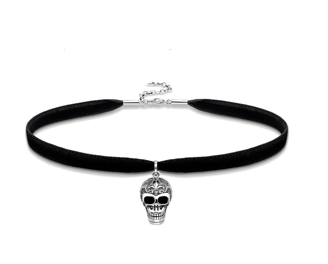 黯黑骷髏頭吊飾絲絨頸鍊,7,260元。圖/THOMAS SABO提供