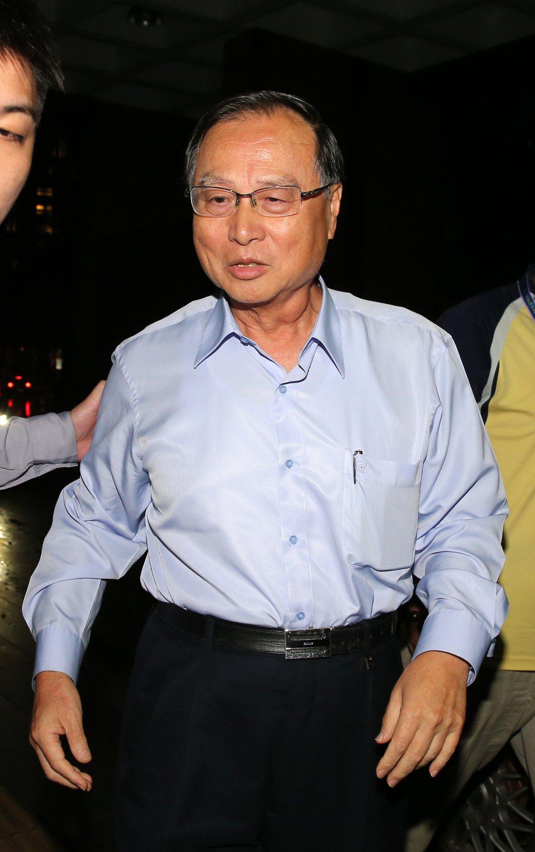 張哲琛晚間被移送地檢署複訊。記者徐兆玄/攝影