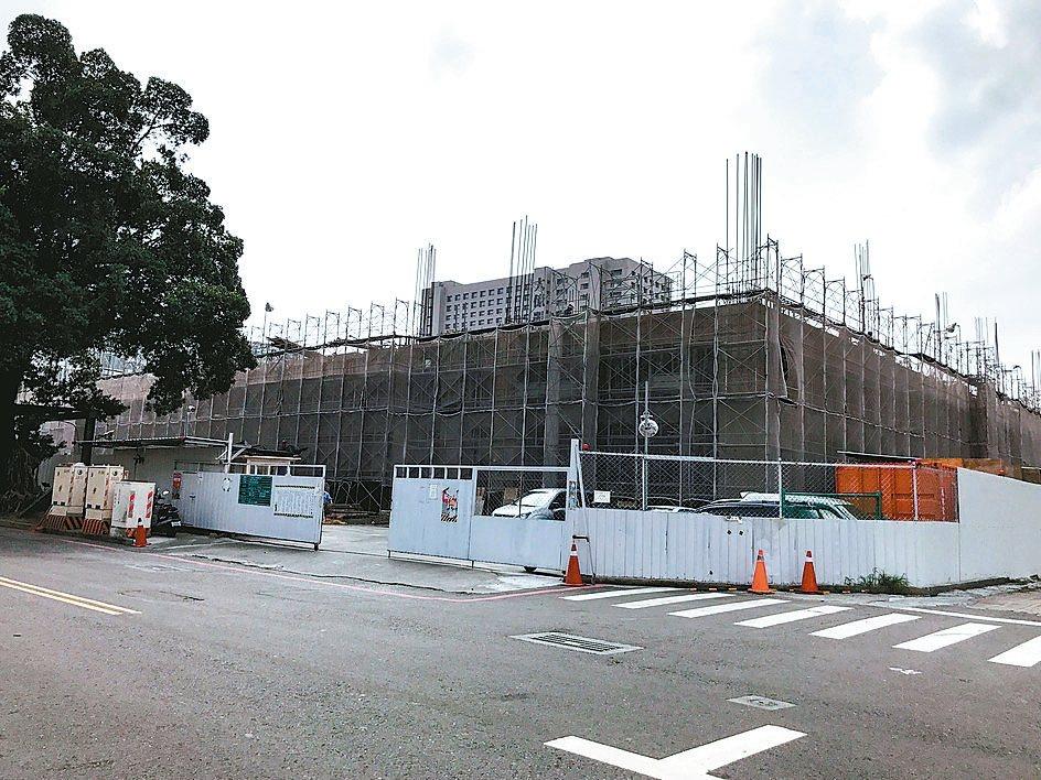 位在南市永福路、和意路口的原台南地方法院宿舍國有土地,將興建煙波飯店台南館。 記...