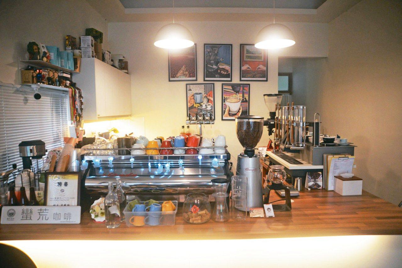 蠻荒咖啡供應多款台灣咖啡。 圖/陳志煌