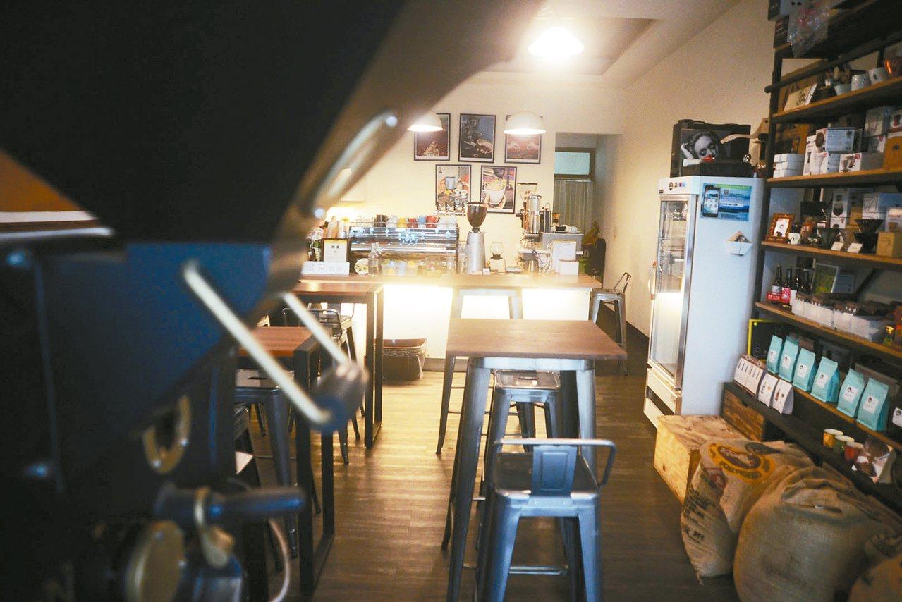 蠻荒咖啡店小座位少,地點位置不在鬧區,但每樣東西都講究、用心。 圖/陳志煌