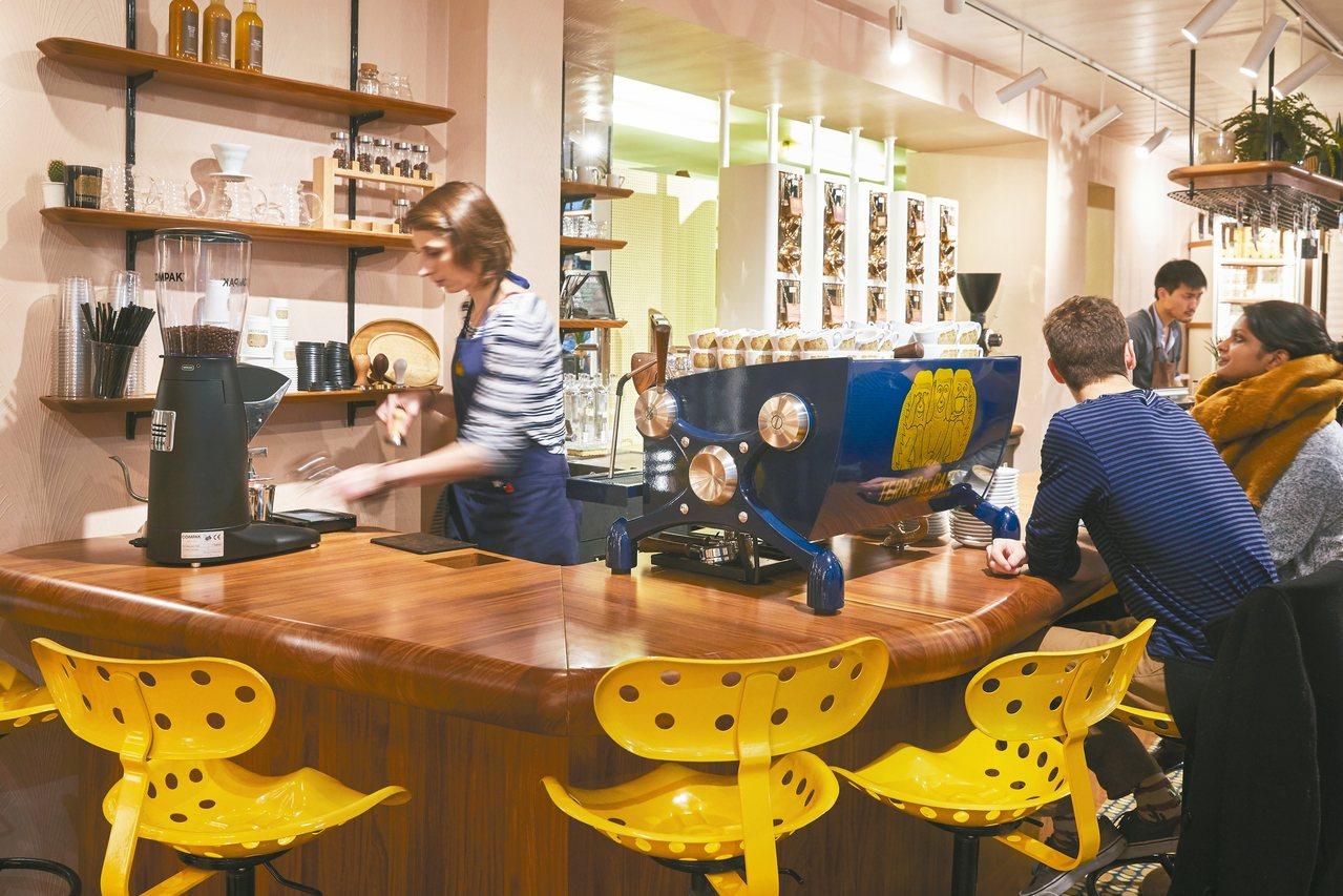 Terres de Café由幾個巴黎年輕人創業,強調咖啡產地品質。 圖/謝忠道...