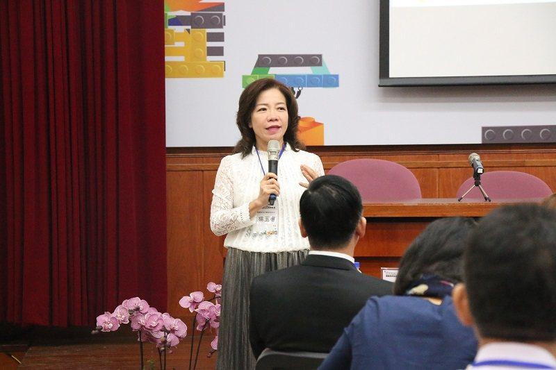 教育部技職司司長楊玉惠應邀致詞。 朝陽科大/提供