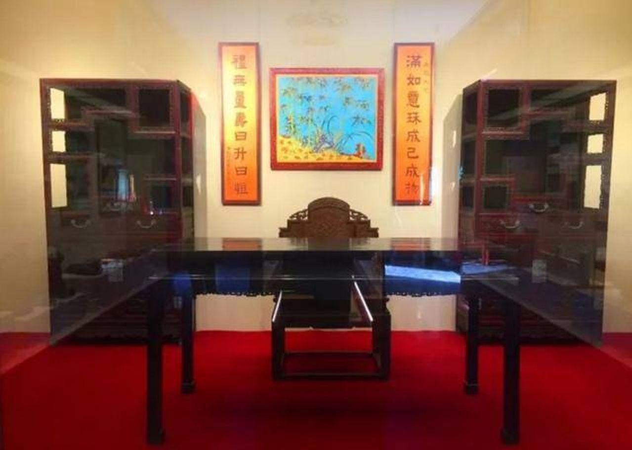 「皇帝書房」位於瀋陽故宮的仰熙齋,是清代皇帝東巡期間的御用書房,面積241平方米...