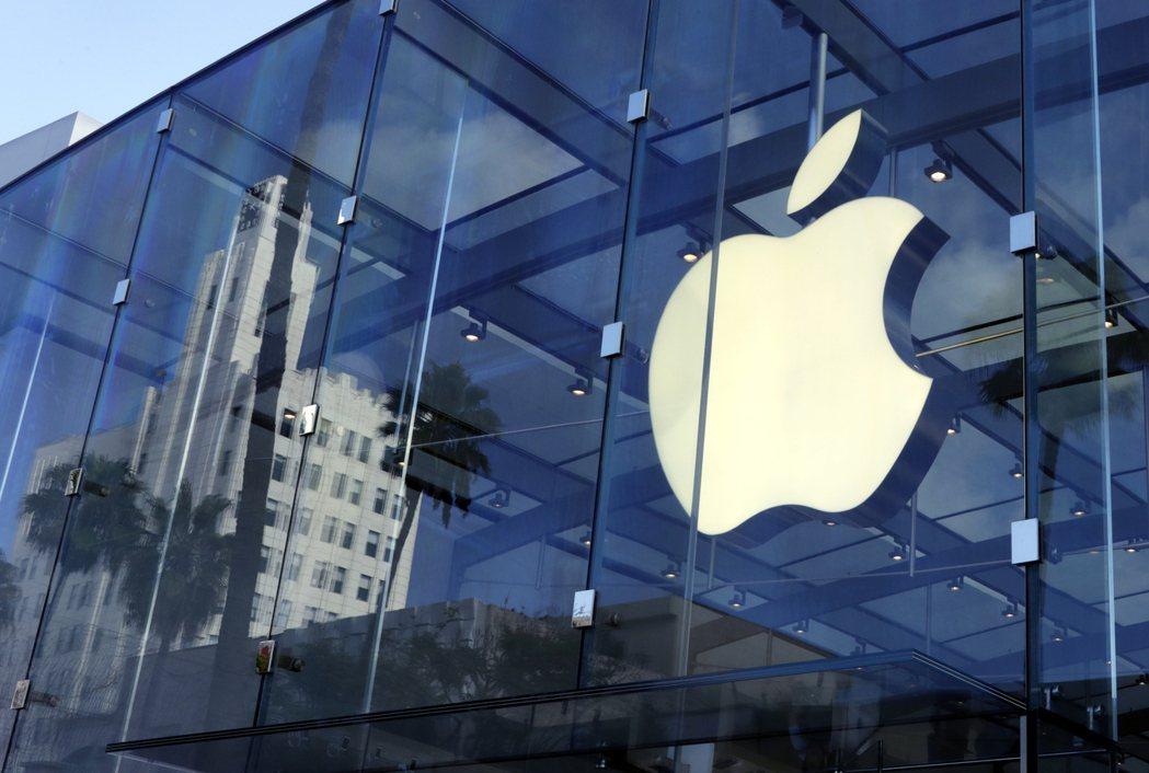 蘋果對玻璃鏡頭進行考察,意味公司改變現有的全塑膠鏡頭規格。歐新社