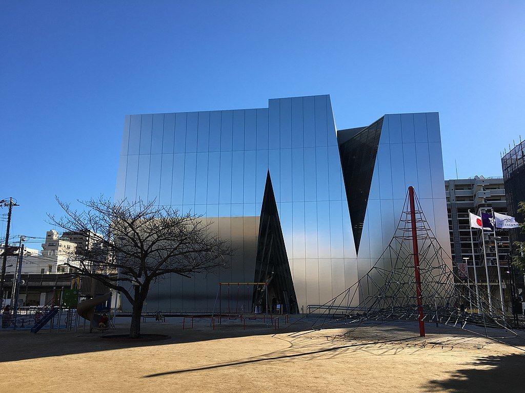 すみだ北斎美術館。圖/取自wikimedia (CC BY 4.0)