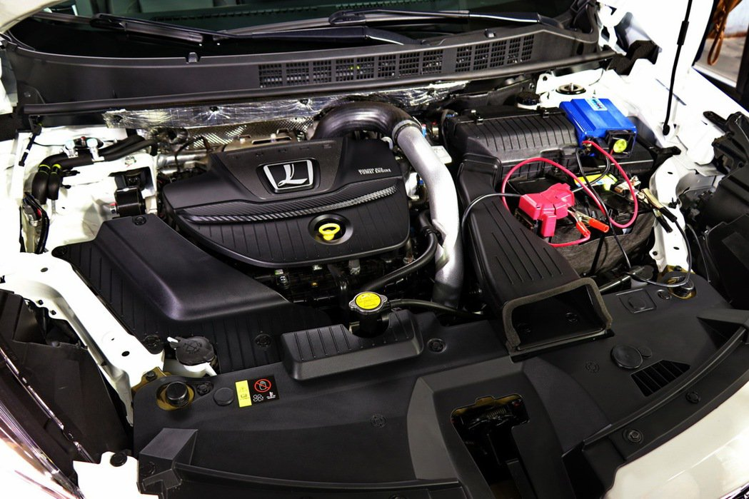 U6 GT搭載1.8L雙渦流渦輪增壓引擎,最大馬力為202ps、峰值扭力為32....