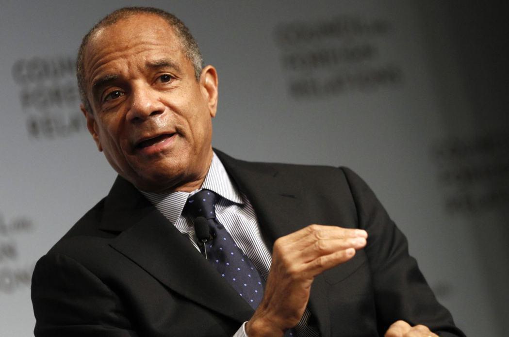 美國運通公司董事長暨執行長錢諾特明年初將卸任,結束近17年的任期。(圖/路透)