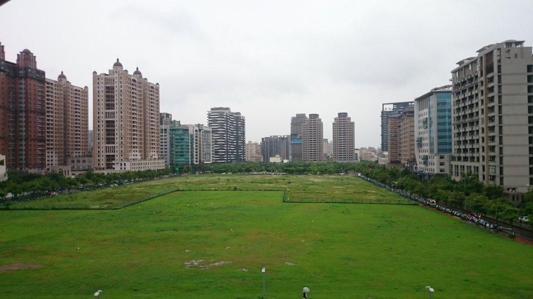 北台灣第3季新成屋、預售屋房價漲多跌少,其中又以新竹地區漲幅稍大,第3季房價來到...