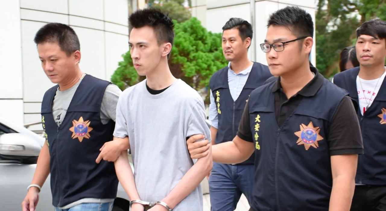 周姓男子涉嫌非法持有槍枝、毒品。記者蕭雅娟/攝影