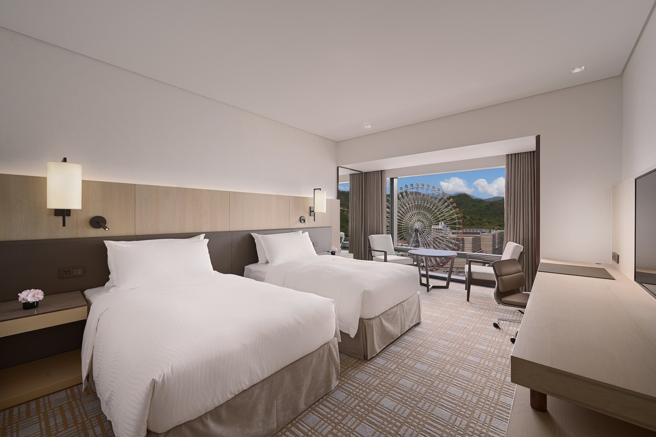 LINE PAY綁定指定信用卡,入住可享有免費升等豪華套房。圖/西華飯店提供