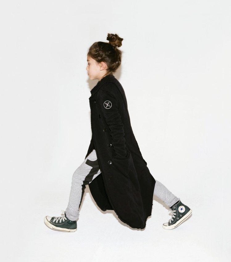 童裝品牌不約而同都推出了與萬聖節風格非常相襯的單品。圖/NUNUNU提供