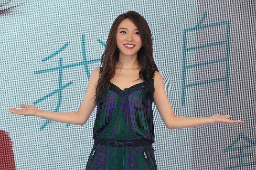 閻奕格等了7年終於發行首張個人專輯。圖/華研國際