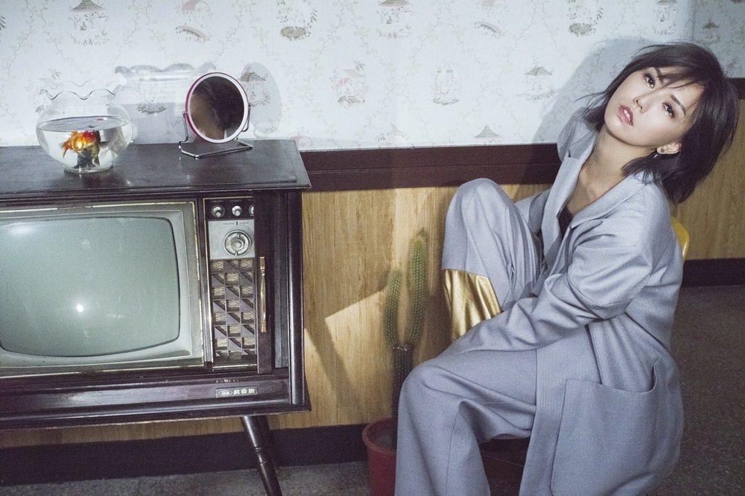 孫燕姿發行新專輯「跳舞的梵谷」。圖/環球唱片提供