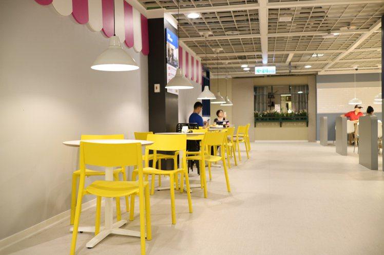 餐廳內的走道明顯寬敞許多。圖/IKEA提供