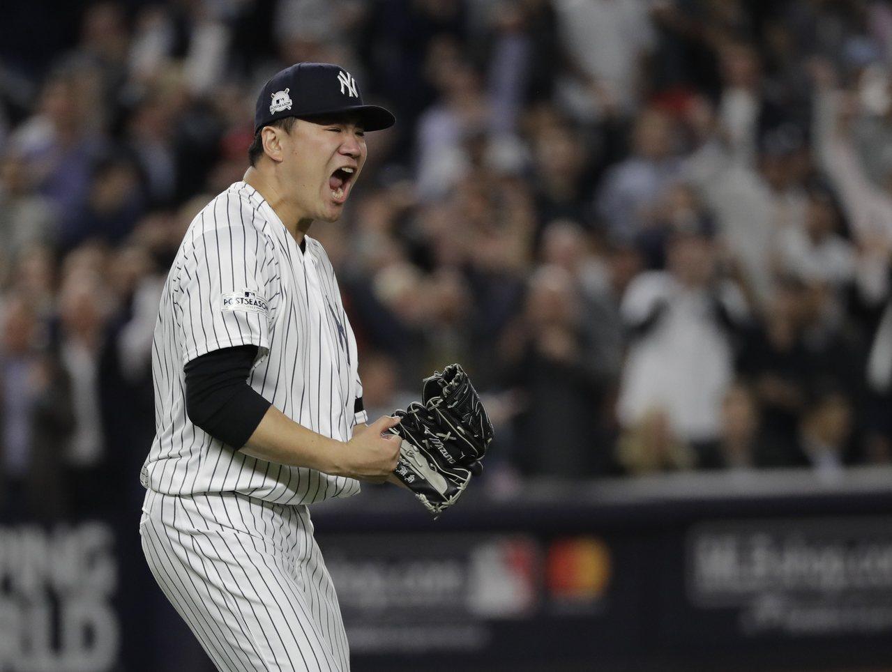 日籍投手田中將大今天決定不跳脫合約,未來3年續披洋基戰袍。 美聯社