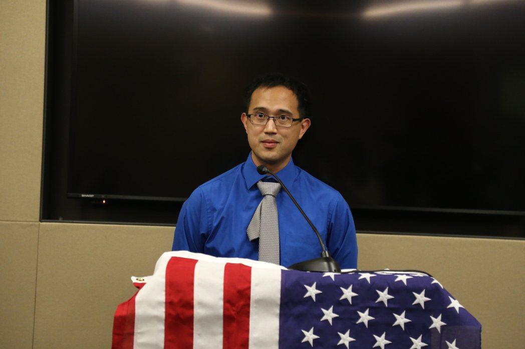 全美亞裔共和黨聯盟在國會山莊的眾院雷本辦公大樓舉行招待會。馬州哈維郡80後廖英成...