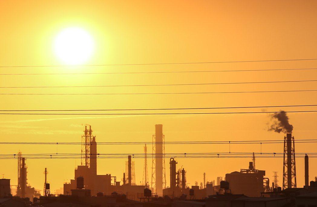 權威研究發現,截至今年9月為止,地球經歷百年來第二熱的一年,僅次於去年。聯合報系...