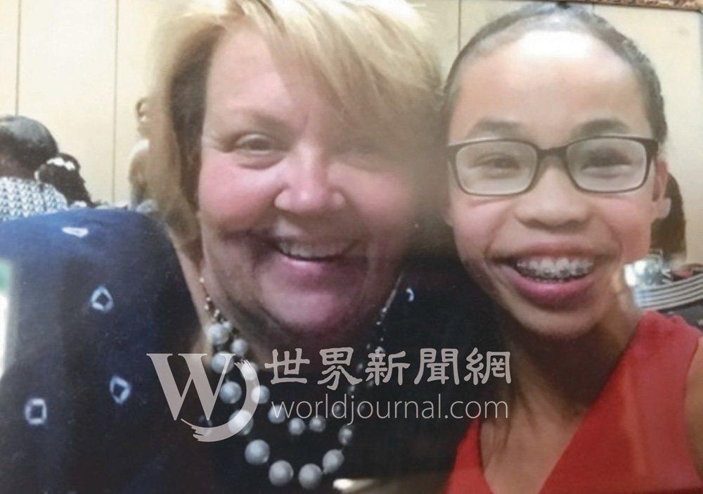 吳穎思11個月時,被母親雪莉收養,悉心培養成為體操新星。(雪莉提供)