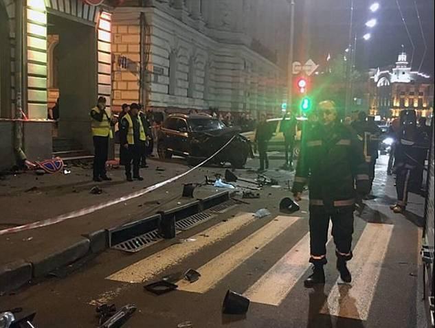 一名20歲的富家女開車衝上人行道,釀成五死的嚴重車禍。圖擷自Dailymail