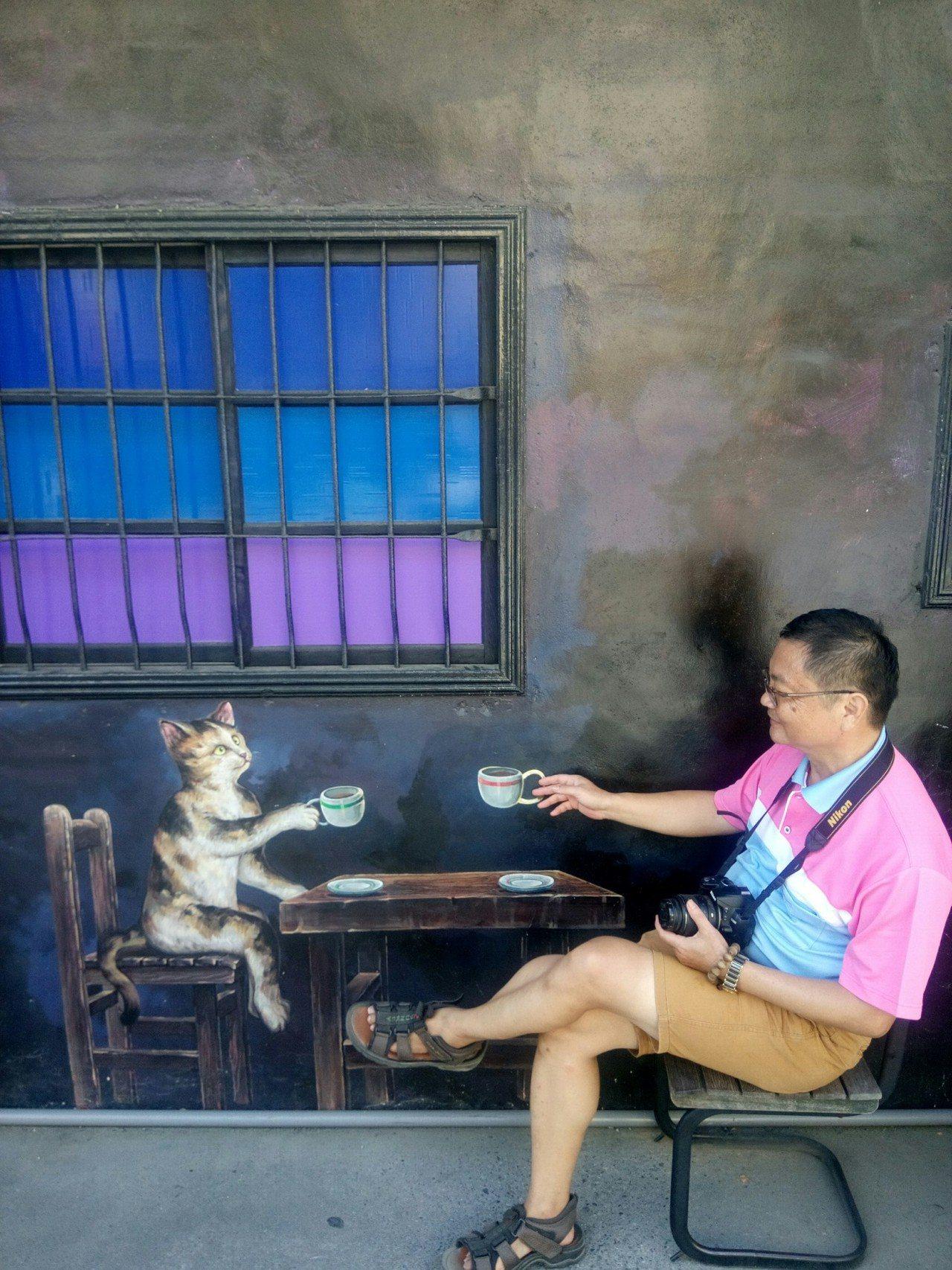 有想過讓貓咪陪你喝杯嘎比嗎? 圖/涂盛發提供