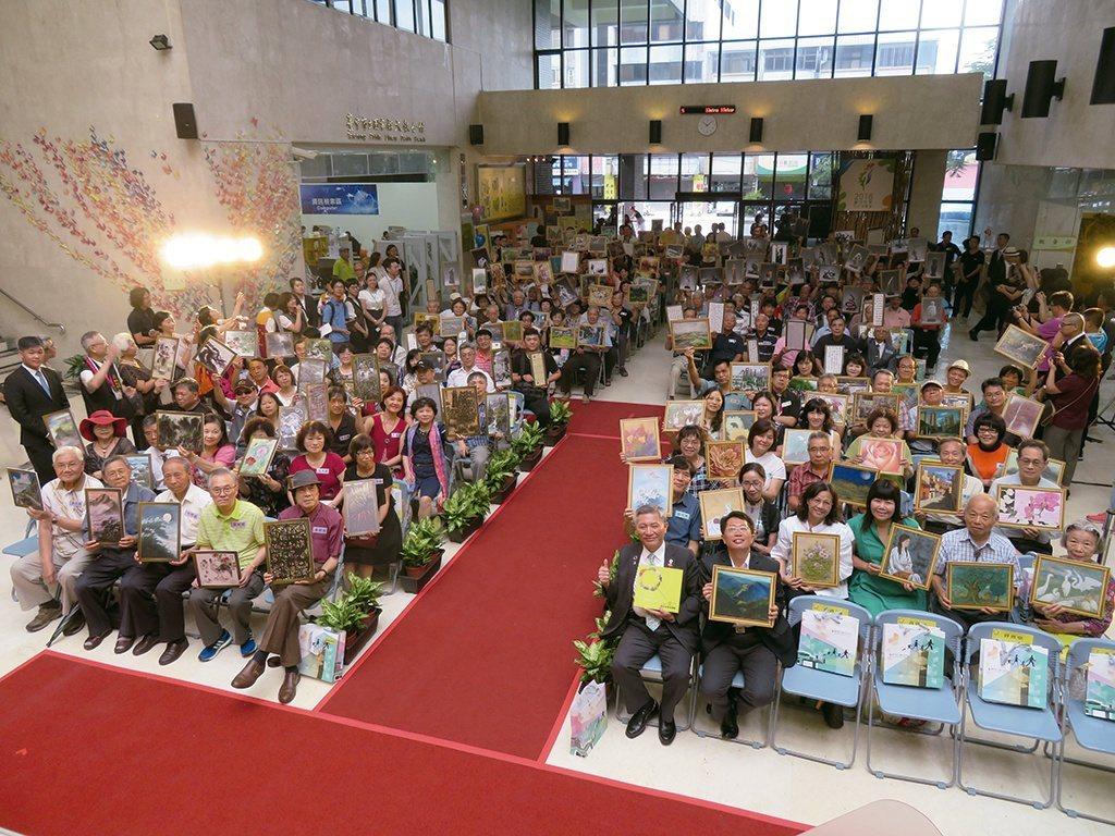 近200 位藝術家齊聚一堂,展現作品風華。 【圖・大墩文化中心】