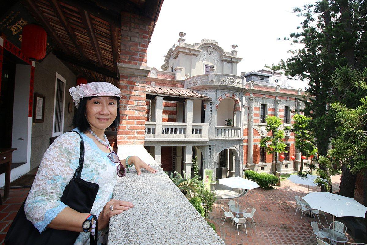 台北戲棚總監辜惠倫在辜家大宅內長大,每個角落都有她的回憶。