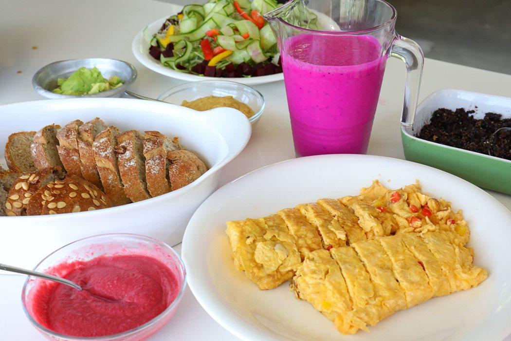 農場提供的餐點以健康蔬食為主,食材來源也大多是自己種植。