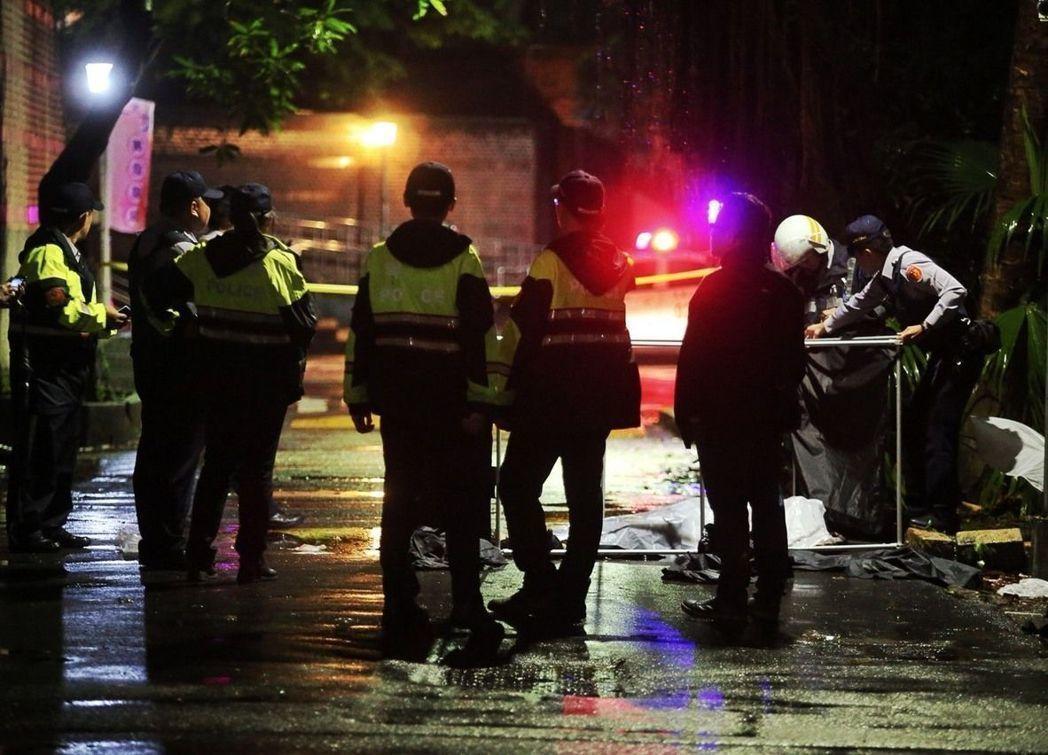 台灣大學校園今凌晨驚傳潑硫酸造成1死3傷案。 記者楊萬雲/攝影