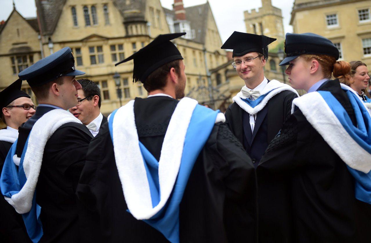 牛津畢業生資料照。路透