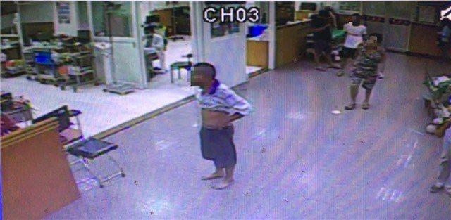 酒醉摔傷被送到東安泰醫院的66歲鄭姓男子,對著急診室醫護人員飆罵髒話,酒醒後說不...