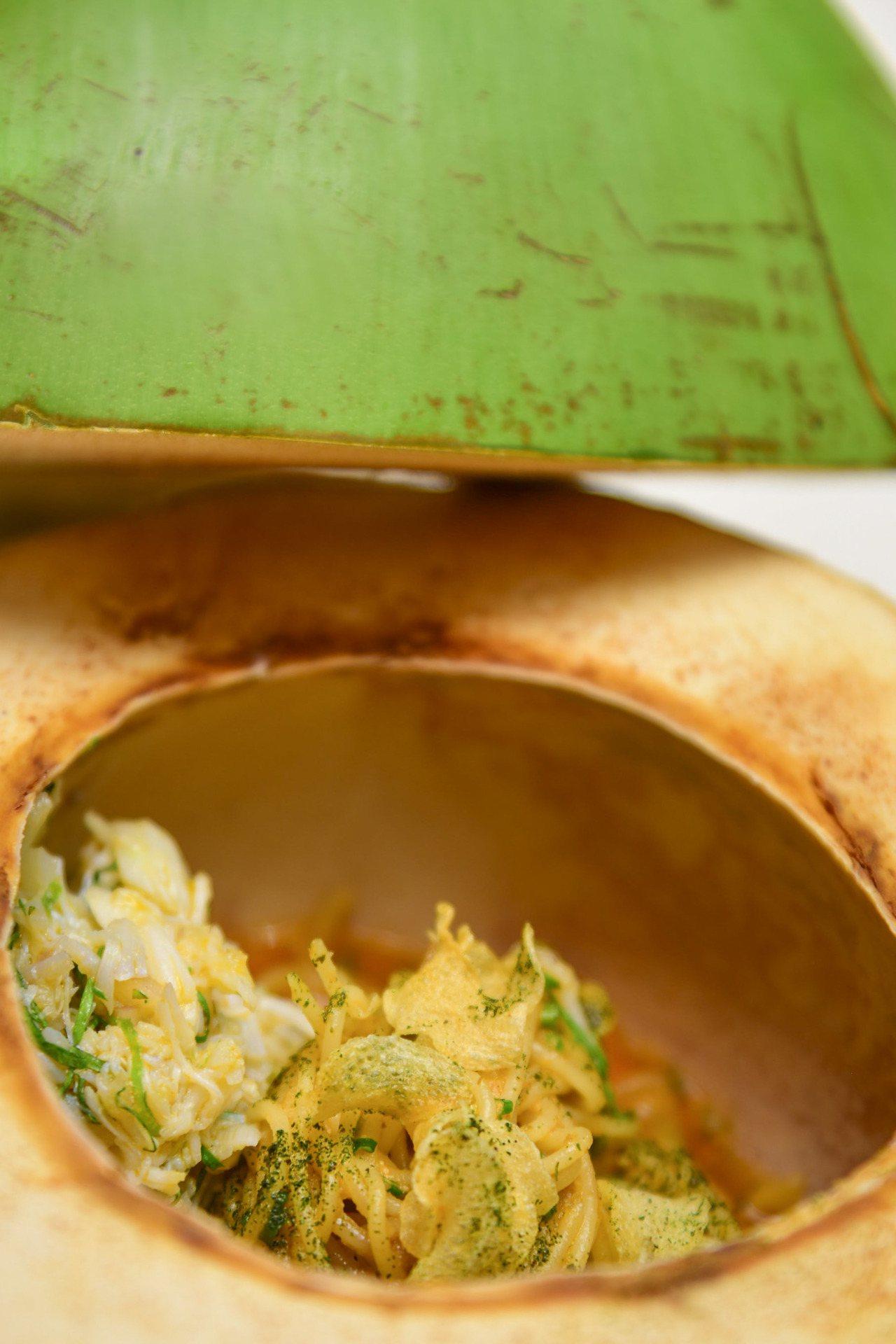 叻沙秋蟹天使細麵。圖/伊萊克斯提供