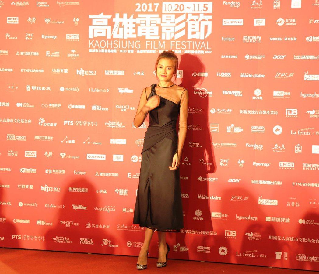 香港性感女神周秀娜走上雄影星光大道。圖/高雄電影節提供