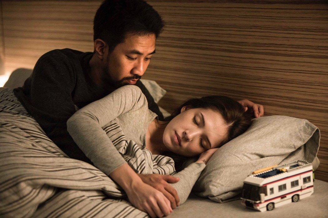 許瑋甯、黃健瑋在「麻醉風暴2」中互動自然。圖/公視提供