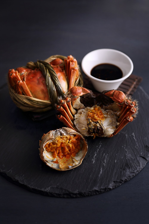 亞都麗緻天香樓推出大閘蟹料理。圖/亞都麗緻大飯店提供