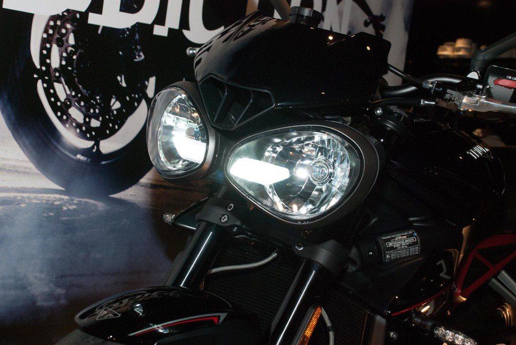 Triumph Street Triple R LED日行燈。記者林昱丞/攝影